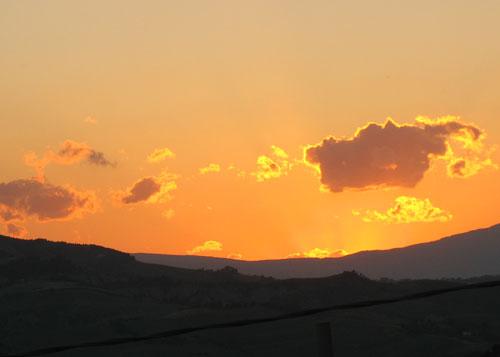 tramonto-arancio-camera-ros