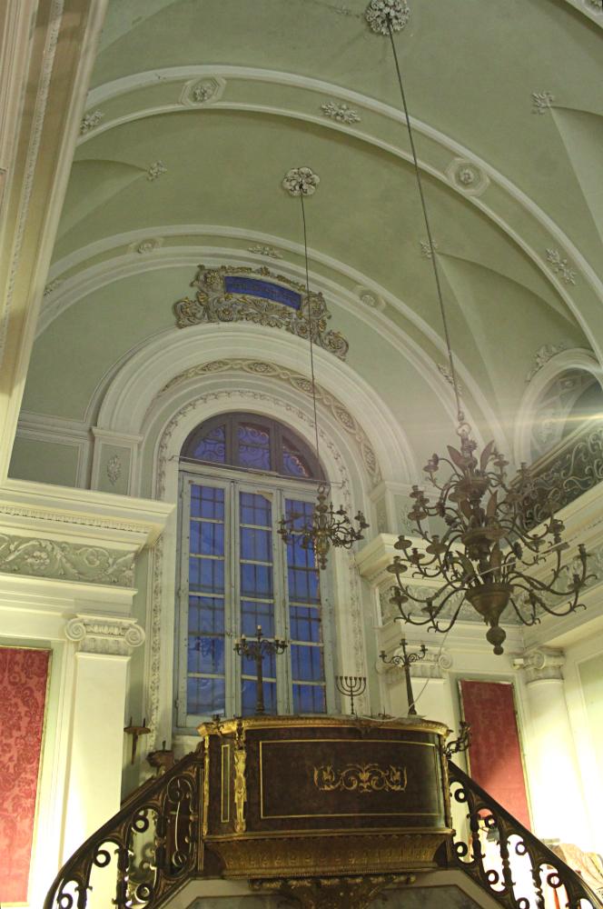 inside Urbino synagogue