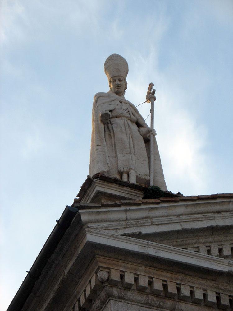 statua-duomo-urbino