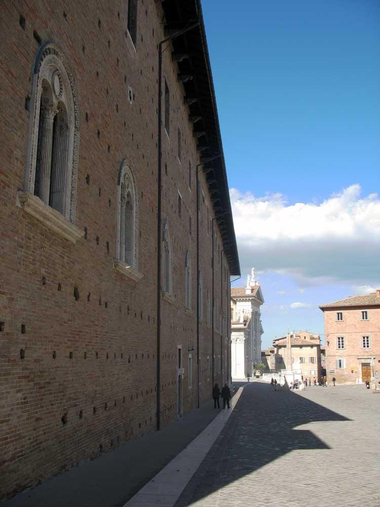 Urbino-Ducal-Palace-Duomo