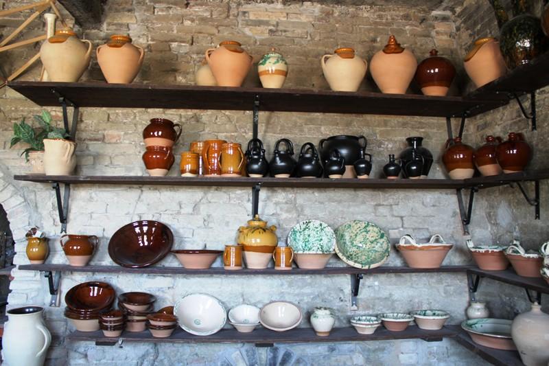 Ceramiche Bozzi Montottone 1