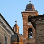 Photo of the day: Duomo in Urbino bricks at sunset