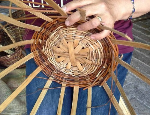 Mani che intrecciano: weaving event in Urbino