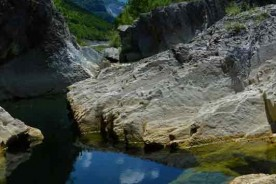 Nature river trekking hiking Marche Italy
