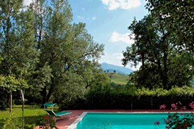 Swimming pool Marche relaxing holiday Urbino holiday rental