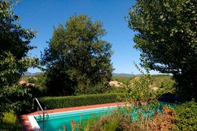 swimming pool agriturismo apartments relax nature landscape Urbino Marche Italy