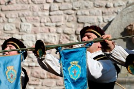 Folklore Marche festivals reenactment palio