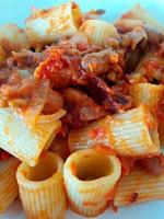 Homemade guanciale pasta tomato rigatoni agriturismo Marche Urbino