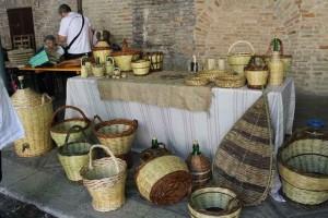 Marche shopping baskets Urbino weaving festival Italy