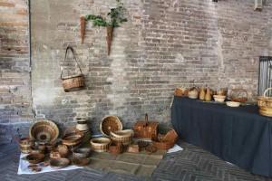 Marche artisans basket weaving Urbino market