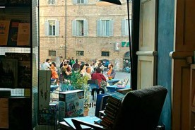 Guidebooks books Montefeltro Bookshop Urbino square
