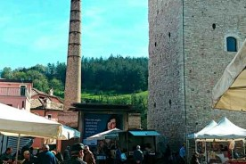 Market day Fermignano Tower Marche Holidays shopping