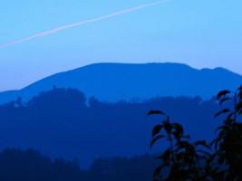 Quiet seekers Blue sunset Marche Accommodation Urbino hills_picmonkeyed